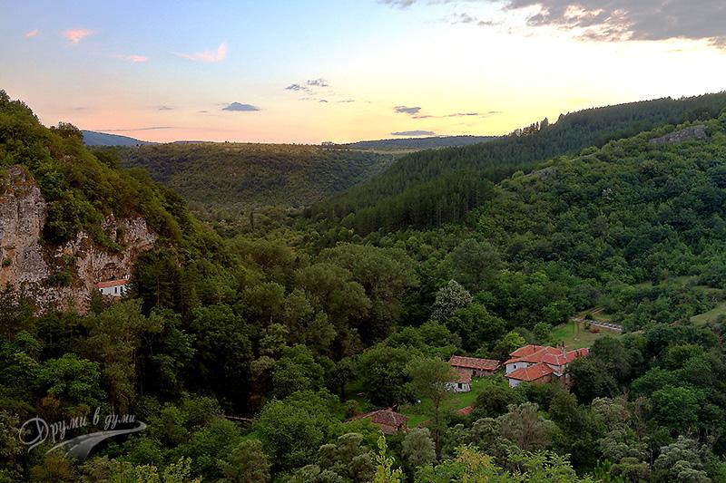 Разбоишки манастир: интересно място за разходка около София