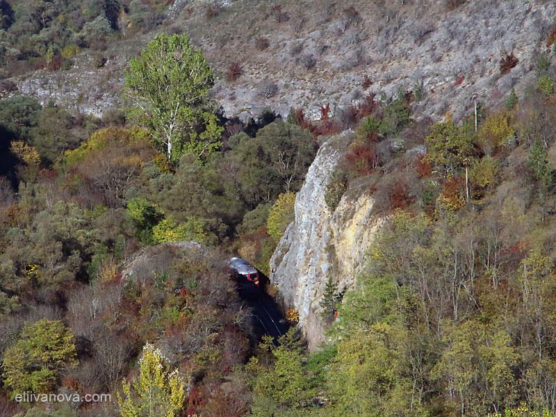 Гледка от платото над река Нишава