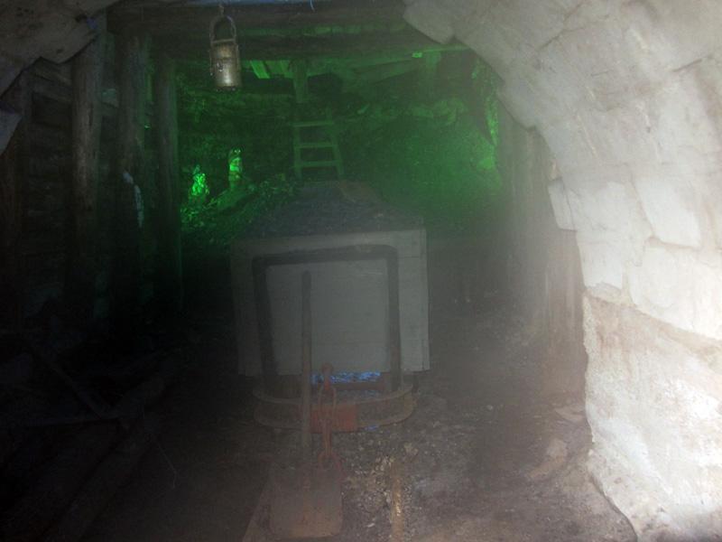 Подземен минен музей в Перник