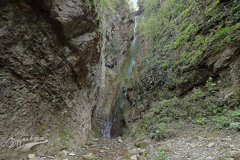 Отблизо: капризният водопад Пръскалото