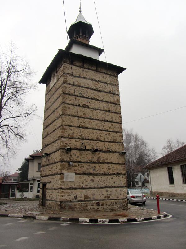 Часовниковата кула в Етрополе