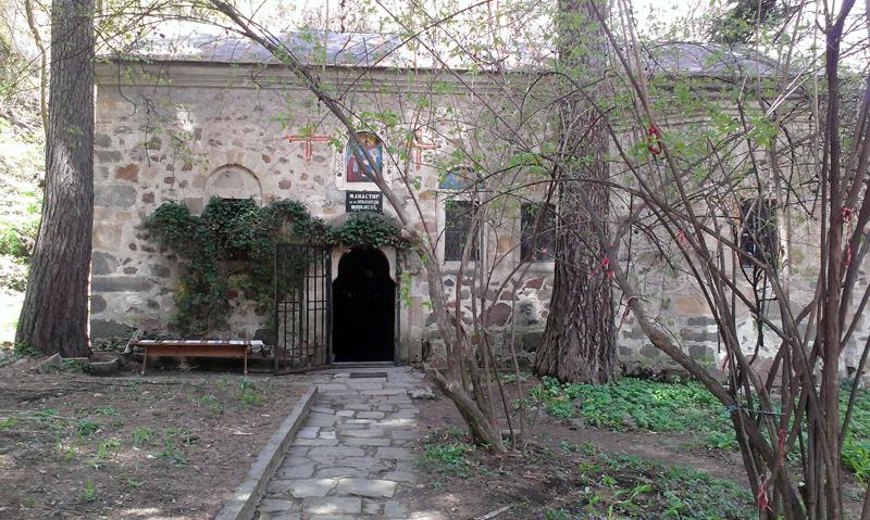 Горнобански манастир св.св. Кирил и Методий