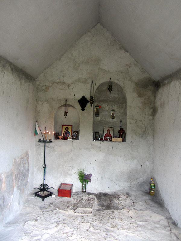 Скален манастир Света Марина - църквата отвътре