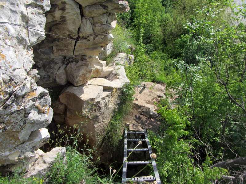 Пътечката към Манастира - интересната част