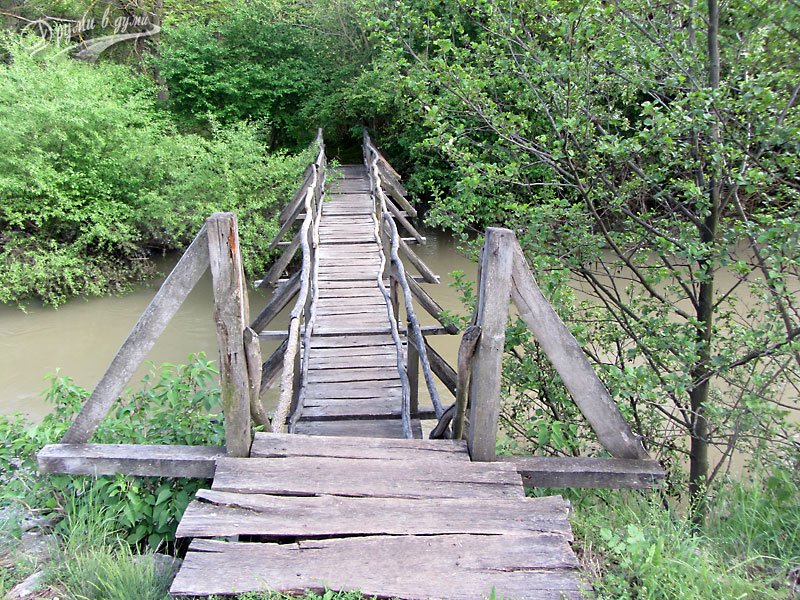 Геопарк Искър - Панега: един от мостовете над реката