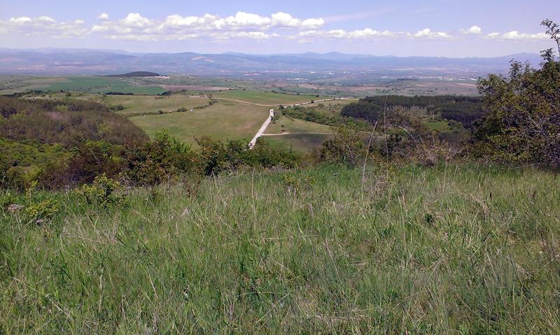 Клисурски манастир - изглед към Стара планина