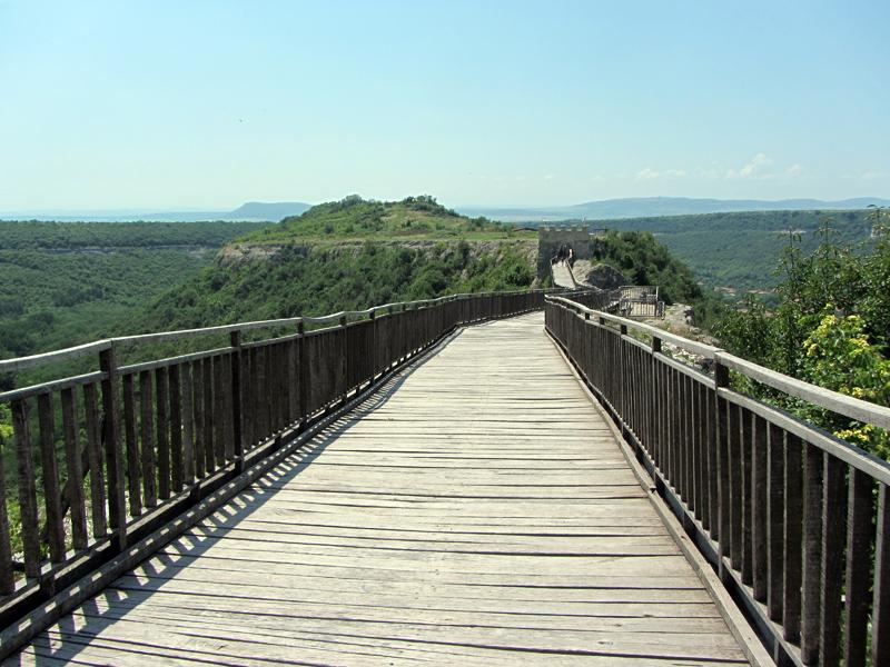 Крепостта Овеч - мостът, свързващ две плата