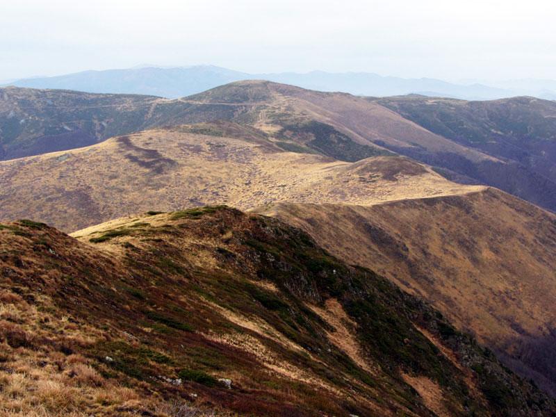 Гледка от връх Ком
