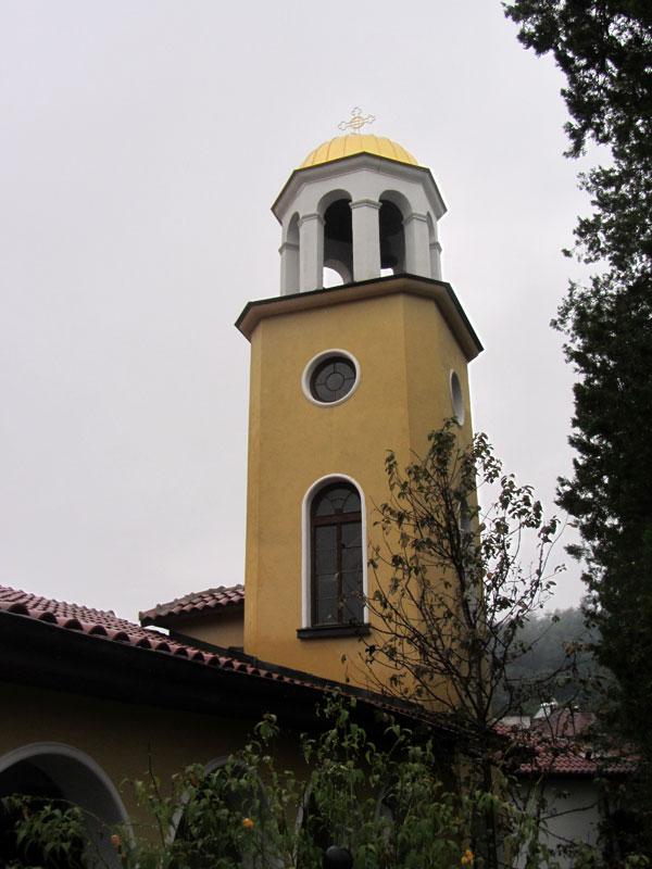Църквата св. Димитър в село Мирково - позлатеният купол