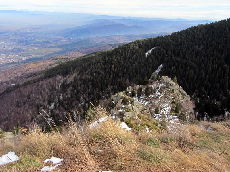 Красива панорамна гледка към София и Софийското поле
