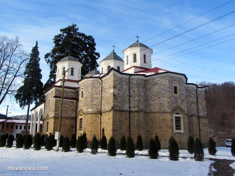 """Лопушански манастир """"Св. Йоан Предтеча"""" - главната църква"""