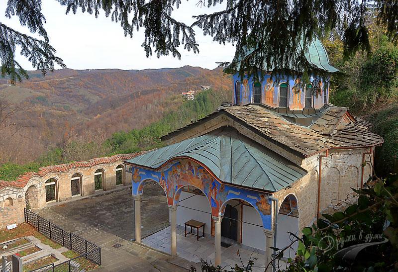 Соколският манастир - църквата