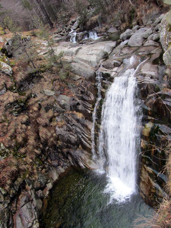 Водопад Попина лъка - горният пад