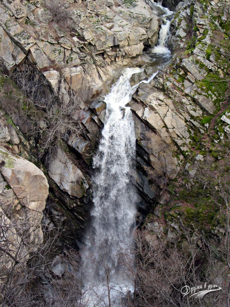Водопад Влахински