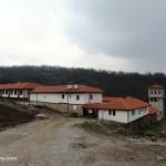 До Гигинския манастир