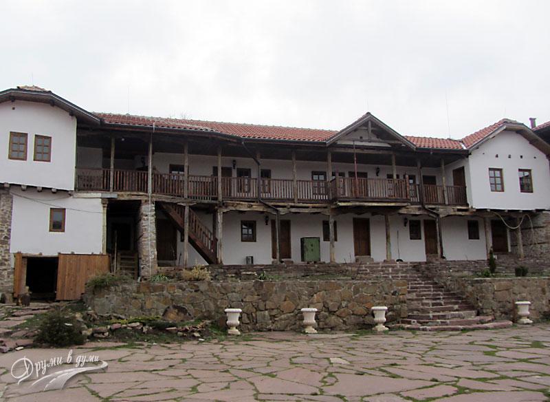 Гигински манастир - старата сграда