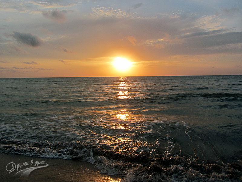 Изгрев над морето