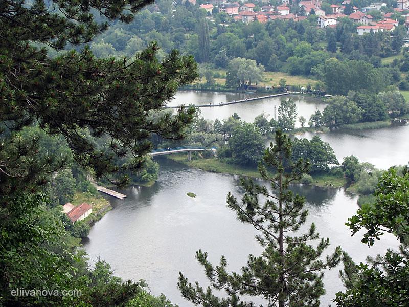 Панорамна гледка към Панчаревското езеро