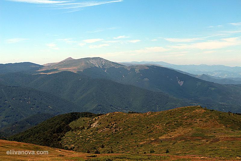 Гледка към връх Ком