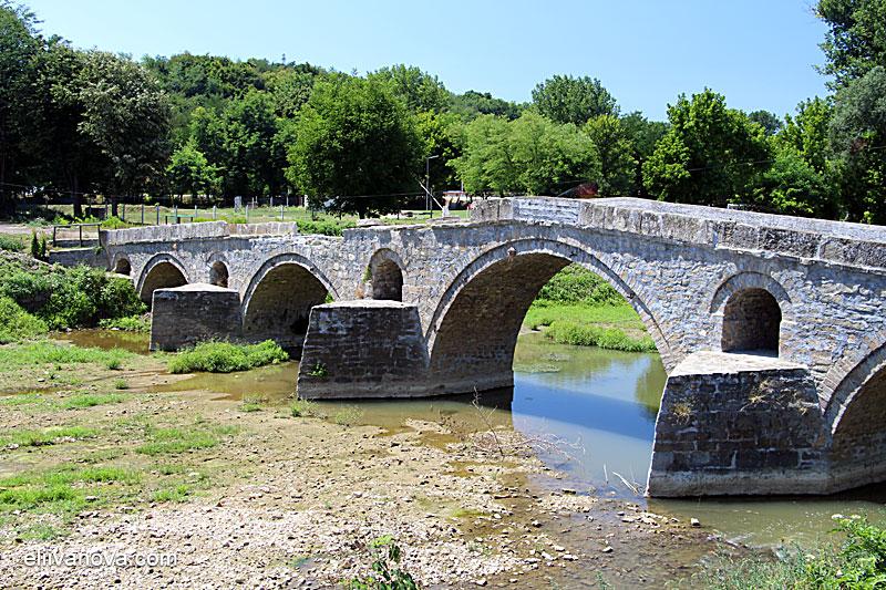 Мостът на река Белица в Дебелец