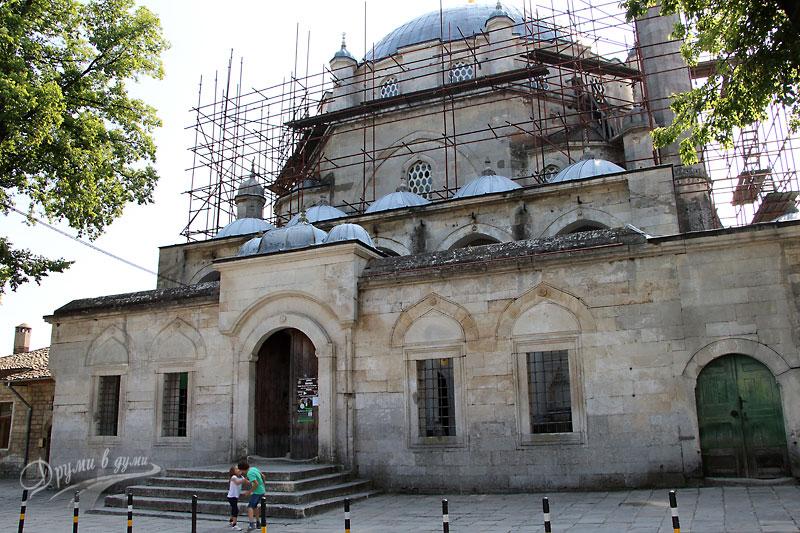 Томбул джамия
