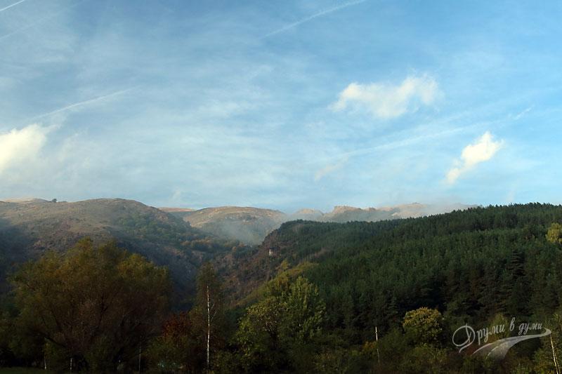 Околните хълмове на Стара планина