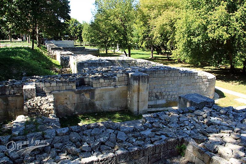Северната стена на Абритус