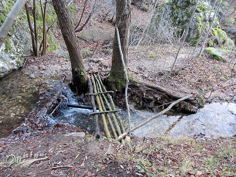 Мостчето пред един от горните водопади Бохемия