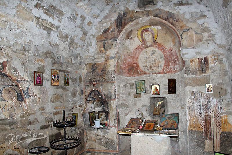 Параклис Св. Йоан Летни отвътре