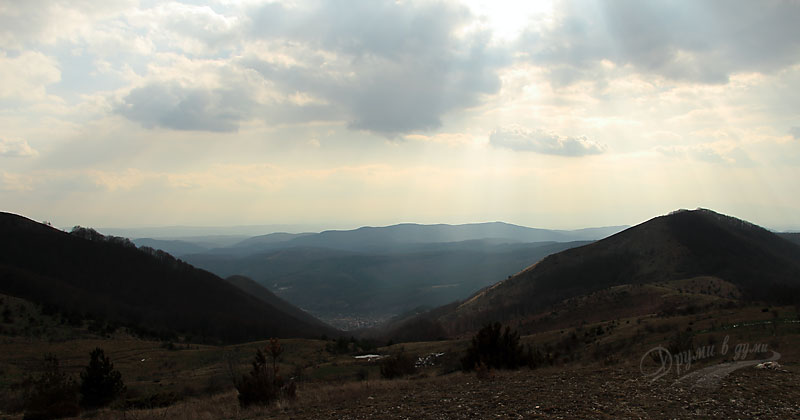 Село Буново в далечината
