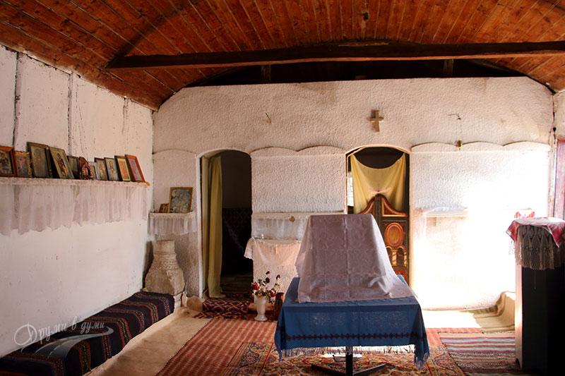 Буховски манастир - църквата отвътре