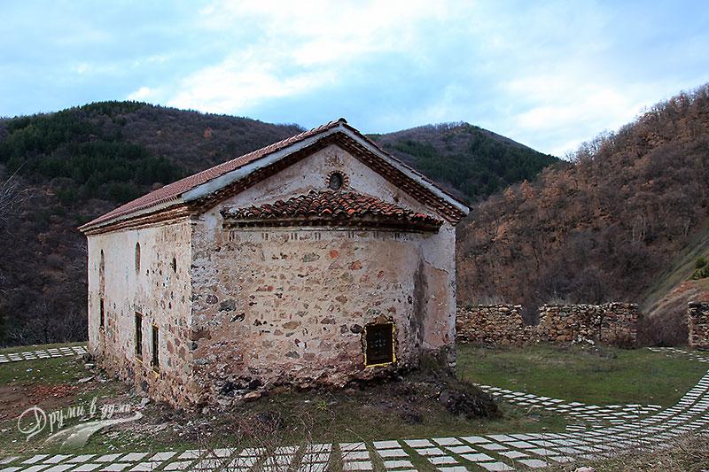 Сеславски манастир - църквата