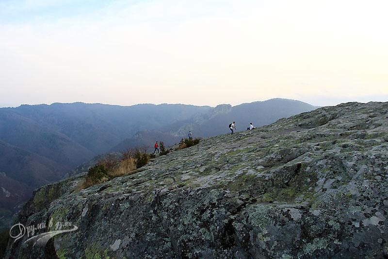 Белинташ - отгоре на скалата