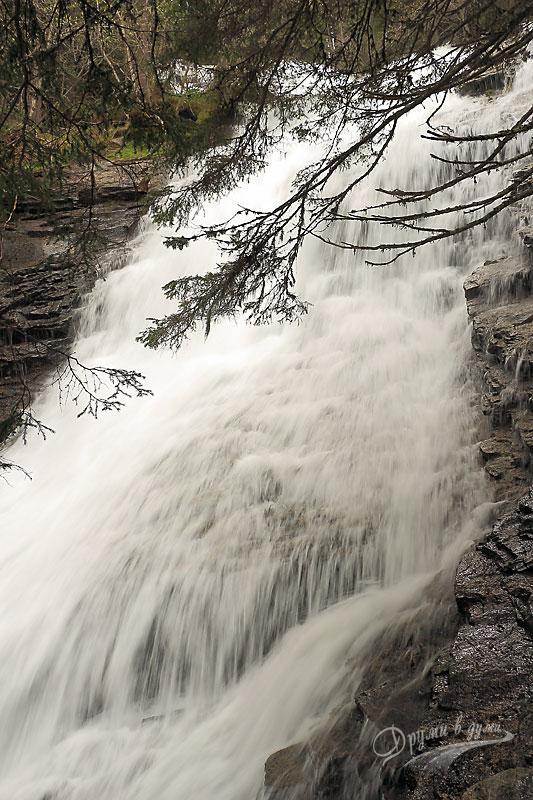 Водопадите по река Скакавица