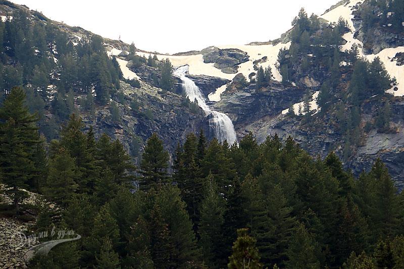 Водопад Рилска Скакавица отдалеч