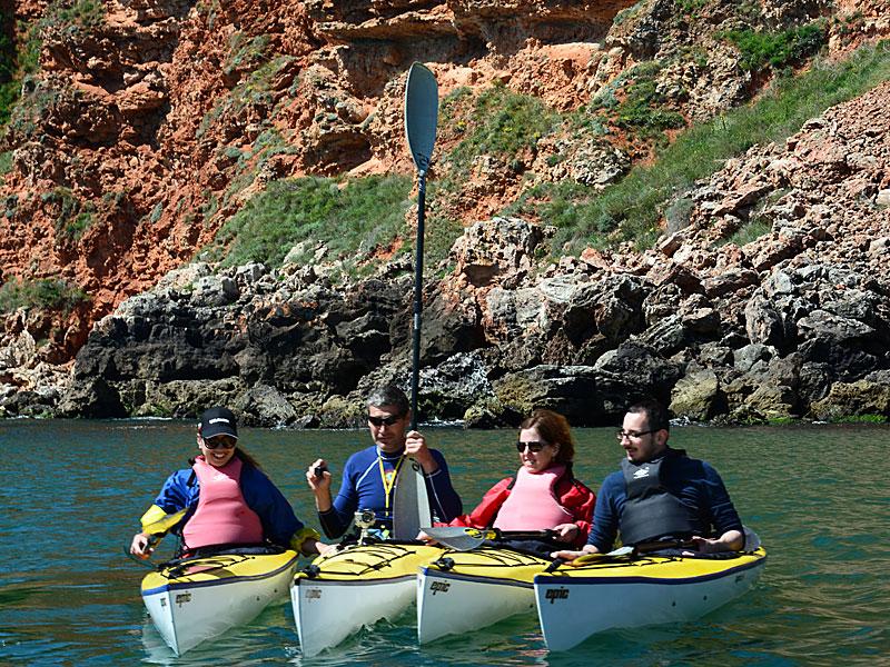Морски каякинг - всички в редица