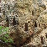 Глухите камъни: едно от най-внушителните древно-тракийски светилища по нашите земи