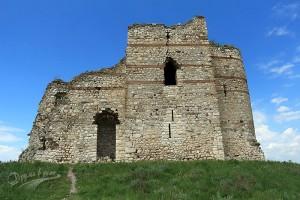 Крепостта Букелон в село Маточина в Сакар планина: кулата-замък, неразгаданият монограм и многото битки