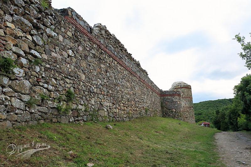 Крепостта отвън
