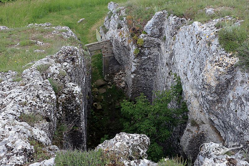 Скалната църква до с. Михалич: поглед отгоре