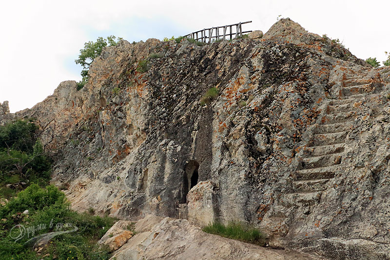 Глухите камъни: стълбите