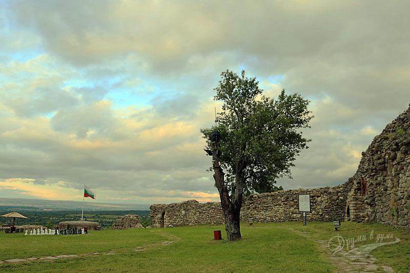 Вътре в крепостта