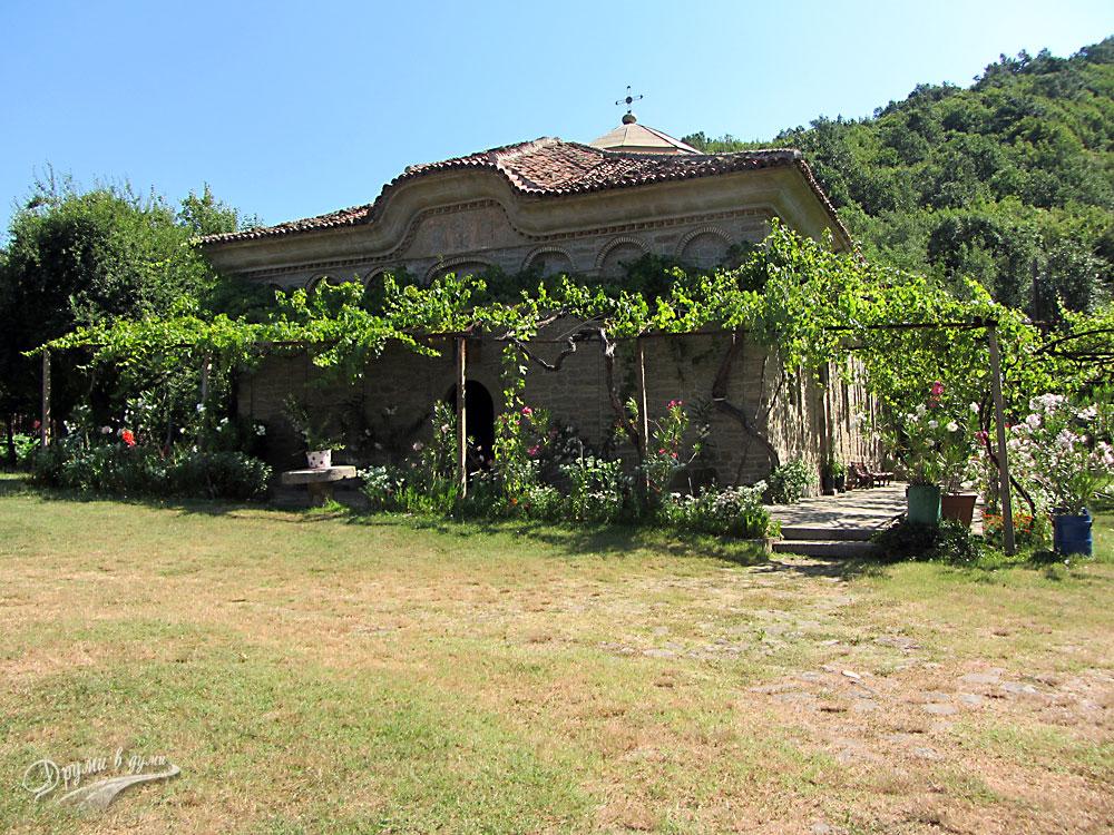Килифаревски манастир: в манастира