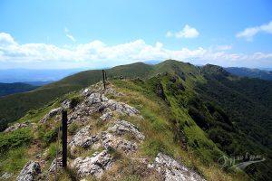 В Стара планина по маршрут Беклемето – хижа Козя стена – хижа Ехо: омайни билни гледки, нелек преход и адреналин по желание