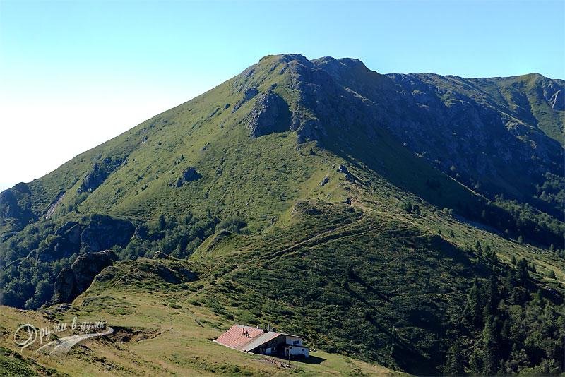 Хижа Ехо: поглед от връх Кавладан