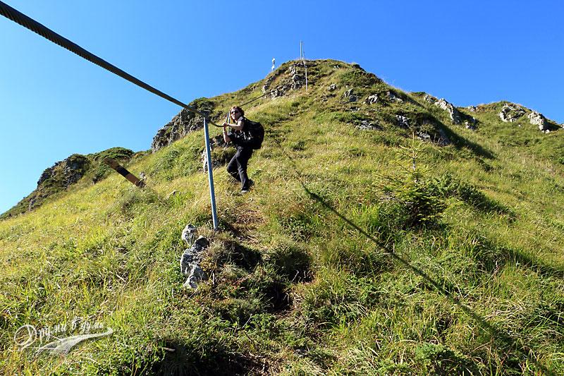 Спускане от връх Кавладан