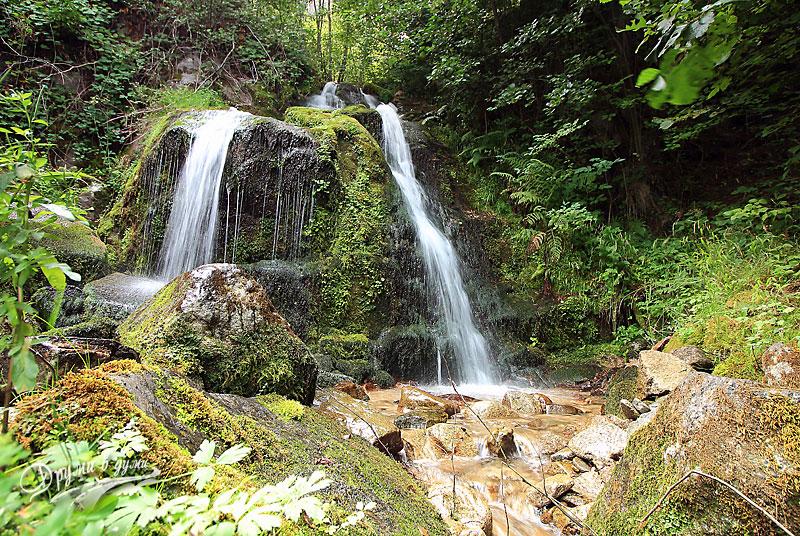 Водопад Свети Никола край Добринище