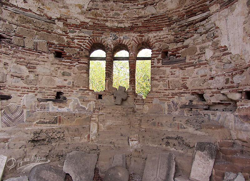 Базиликата Свети Никола: главната абсида