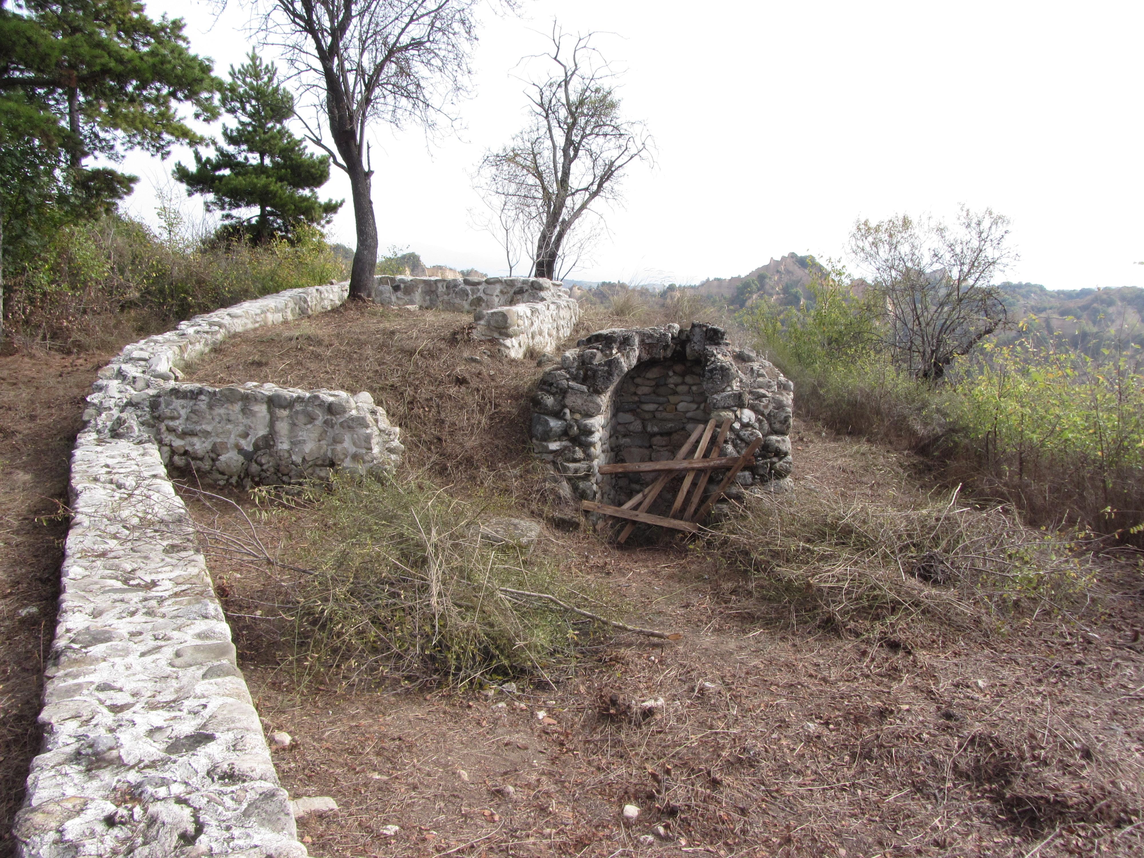 Останките от манастира Свети Харалампий