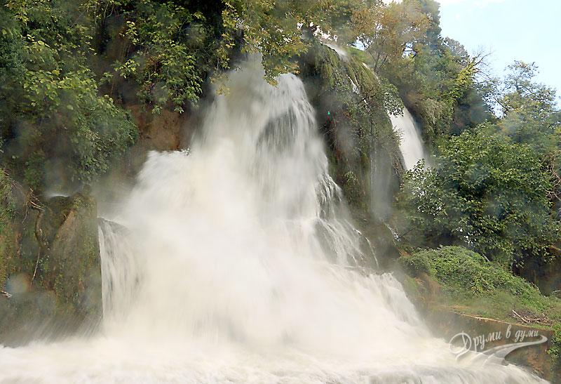 Един от водопадите в Едеса, Гърция